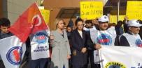 SÖZLEŞMELİ - Bursa'da Hafta Sonu Mesaileri Verilmeyen PTT Çalışanları Eylem Yaptı