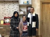 Down Sendromlu Seda Nur, Kaymakam Özmedir'e Atkı Ördü