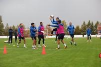 SARı KART - Kayserispor'da 4 Futbolcu Sınırda
