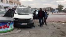 ALİHAN - Konya'da Kamyonet İle Minibüs Çarpıştı Açıklaması 13 Yaralı