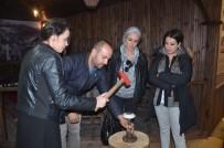 PELITÖZÜ - 'Olgun Portakal'' Adlı Tiyatro Oyuncularından Bilecik Gezisi