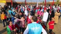 ÇOCUK TİYATROSU - Reyhanlı'daki Suriyeli Yetimler İçin Zeytin Toplama Şenliği