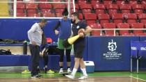 İSTANBUL ÜNIVERSITESI - Sakatlanan Sporculara Yarım Asırlık 'Şifalı' Dokunuş