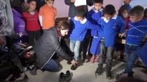 KAZANLı - Şanlıurfalı Öğrencilere Kışlık Bot Ve Mont Yardımı