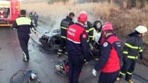 KÜRKÇÜLER - Adana'da Devrilen Otomobil Yandı