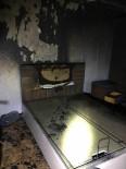 ŞELALE - Avizeden Çıkan Yangında Baba Ve 2 Kızı Son Anda Kurtuldu
