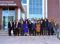 FETHİ GEMUHLUOĞLU - Basın Mensupları Yeşilyurt'taki Yatırımları Gezdi