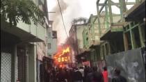 BİNA YANGINI - Bursa'da Tarihi Kayhan Çarşısı'nda yangın
