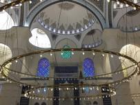 Çamlıca Camii'nde İlk Sela Okundu