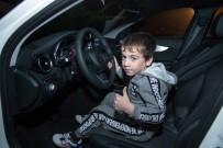 REKOR DENEMESİ - Çeçen Lider 5 Yaşındaki Rekortmen Çocuğa Araba Hediye Etti