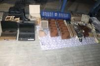 HIRSIZLIK BÜRO AMİRLİĞİ - Denizli'de İş Yerlerine Çatından Giren Hırsızlar Yakalandı