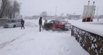 BAŞKÖY - Kars'ta Kar Ve Tipiden 71 Köy Yolu Ulaşıma Kapandı