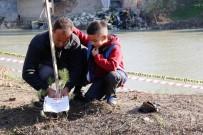 MEHMETÇIK - Öğrenciler Ceyhan Nehri Kıyılarını Ağaçlandırıyor