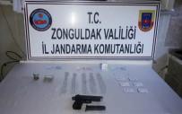 ÇÖMLEKÇI - Uyuşturucu İhbarı Alınan Araçtaki Şüpheli Ortaokul Müdürü Çıktı