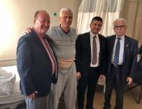 MESUT ÖZAKCAN - Başkan Özakcan'dan Muhtar Aydemir'e Geçmiş Olsun Ziyareti