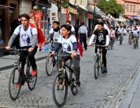 Çeşmeli Öğrenciler Atatürk Sevgisiyle Pedal Bastı