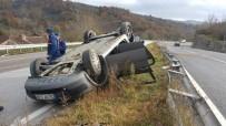 Takla Atan Otomobil Ters Döndü Açıklaması 3 Yaralı