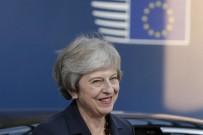 Theresa May'e Güven Oylaması İsteği