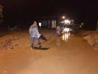 Yağmur Hayatı Felç Etti, Jandarma Evleri Tahliye Etti