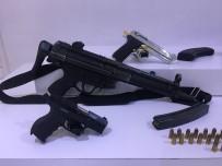 PAZAR GÜNÜ - 1 Milyon Lirayı Bırakıp Silahları Alıp Kaçtılar