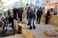 MIMARSINAN - 7 Yaşındaki Çocuk Kanalizasyon Çukuruna Düştü