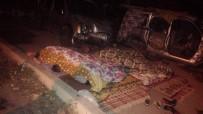 MEVSİMLİK İŞÇİ - Adana'ya Gitmek Üzere Yola Çıkan 10 Kişilik Ailenin Aracı Arıza Yapınca Çevre Halkı Aileye Sahip Çıktı