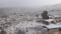 TAŞKıRAN - Antalya'nın Kaş İlçesinde Yüksek Kesimlere Kar Yağdı