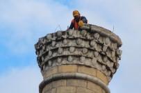 EĞİTİM MERKEZİ - Bilecik'te 47 Yıllık Cami Risk Nedeniyle Yıkılıyor