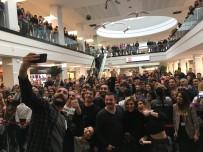 KURTULUŞ SAVAŞı - 'Çakallarla Dans 5' Ekibinden İzmir'e Gala Çıkarması