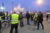 PROTESTO - Fransa'da 'Sarı Yelekliler'e' Polis Engeli