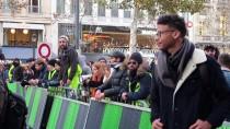 AĞIR YARALI - Fransa'da Sarı Yelekliler Yolları Kapattı Açıklaması 1 Ölü, 47 Yaralı, 24 Gözaltı