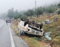 DİREKSİYON - Milas'ta Minibüs Devrildi Açıklaması 2 Yaralı