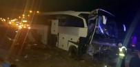 Niğde'de Otobüs Refüje Çarptı Açıklaması 20 Yaralı