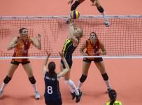 GALATASARAY - Vestel Venüs Sultanlar Ligi Açıklaması Fenerbahçe Açıklaması 3 - Galatasaray Açıklaması 0