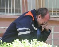 CINAYET - Adana'da eşinin döverek öldürdüğü 15 aylık bebeğinin cenazesini böyle teslim aldı