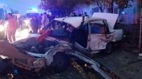 HUZUR MAHALLESİ - Eskişehir'de Feci Kaza Açıklaması 2 Ölü 2'Si Ağır 5 Yaralı