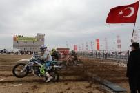 MOTOKROS ŞAMPİYONASI - Motokros Şampiyonası'nın Sezon Finali Afyon'da Yapıldı