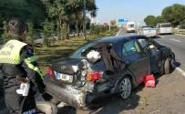 MEMUR - Samsun'da Lastiği Patlayan Otomobil Takla Attı Açıklaması 2 Yaralı