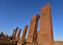 GÖRME ENGELLİLER - Ahlat'taki Tarihi Yapılar 'Karekod' İle Tanıtılacak