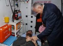 TRAFIK KAZASı - Aracını Durdurup Kazazedelerle İlgilendi