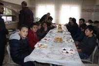 Çaycuma Müftülüğü Kahvaltıda Gençleri Bir Arada Topladı