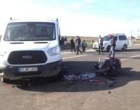 MOTOSİKLET SÜRÜCÜSÜ - Cizre'de Motosiklet İle Kamyonet Çarpıştı Açıklaması 1 Ölü
