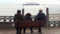 DOĞALGAZ BORU HATTI - Dev İnşaat Gemisi Vatandaşların İlgisini Çekti