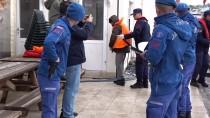 GÜNCELLEME 3 - Adada Mahsur Kalan Düzensiz Göçmenler Kurtarıldı