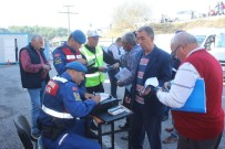 JANDARMA KOMUTANLIĞI - Manavgat'ta Denetlenen 25 Servis Aracından 7'Sine Ceza Uygulandı