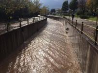 ŞİDDETLİ YAĞIŞ - Marmaris'e 175 Kilo Yağış Düştü