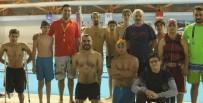 İŞİTME ENGELLİLER - Siirtli Engelliler Eğlenerek Yüzmeyi Öğreniyor