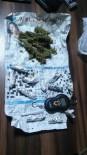 JANDARMA KOMUTANLIĞI - Şüpheli Araçtan Uyuşturucu Çıktı