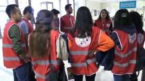 TÜRKÇE ÖĞRETMENLIĞI - Türk Kızılayı Topluluğu Üyelerinden Hasta Çocuklara Moral Ziyareti