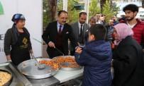 NURULLAH CAHAN - Uşak Belediyesi Mevlid Kandili Münasebetiyle Uşaklılara Lokma İkram Etti